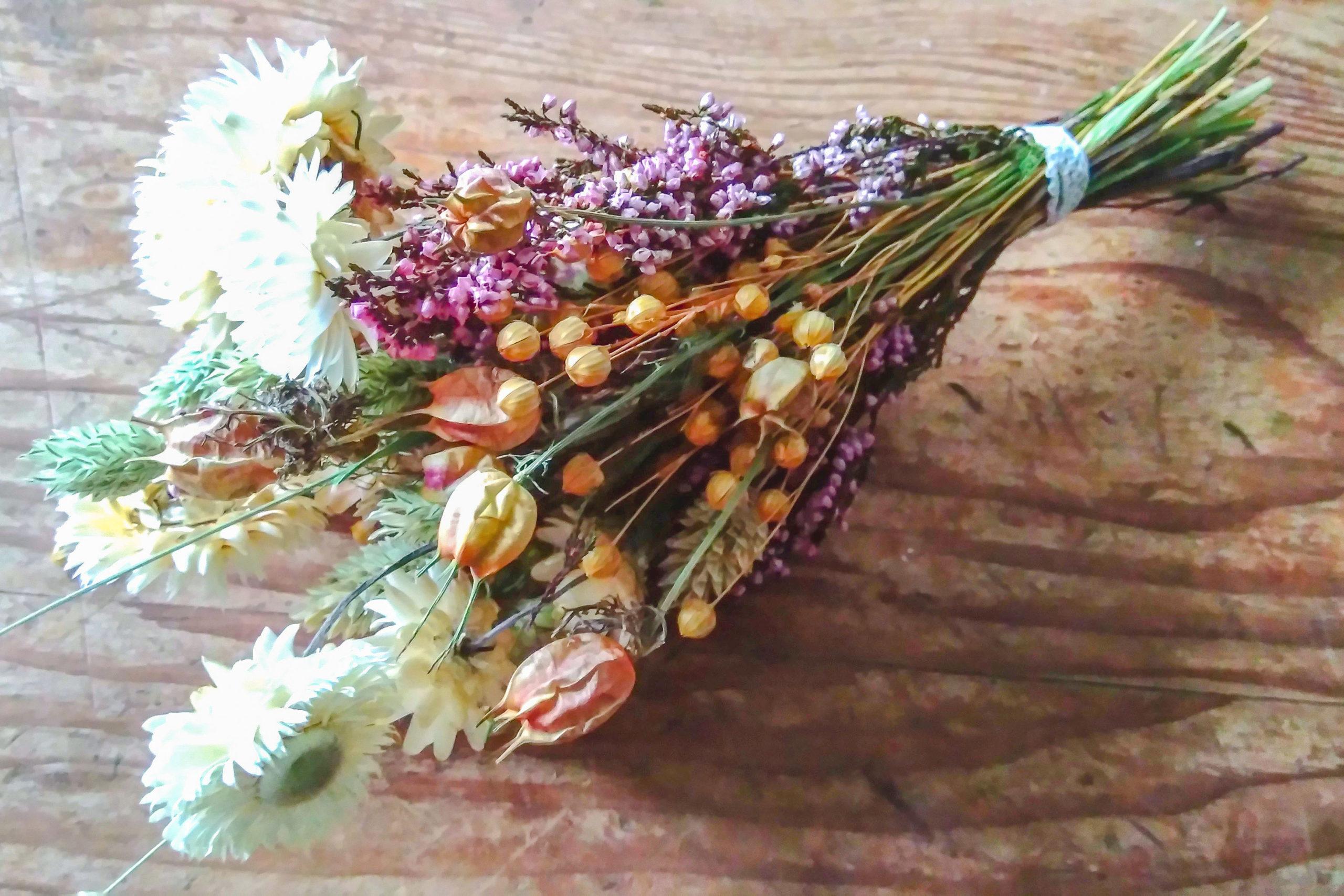Bouquet de fleurs séchées ambre